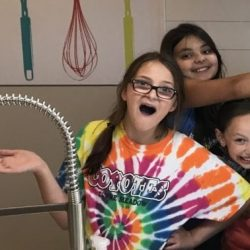 1564068379-kids_cooking_classes_tie_dye_party